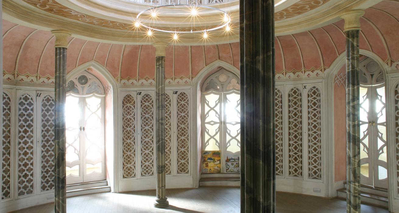Restaurierung Raumschale und Ausstattung- Bibliothek Schloss Wolkenburg