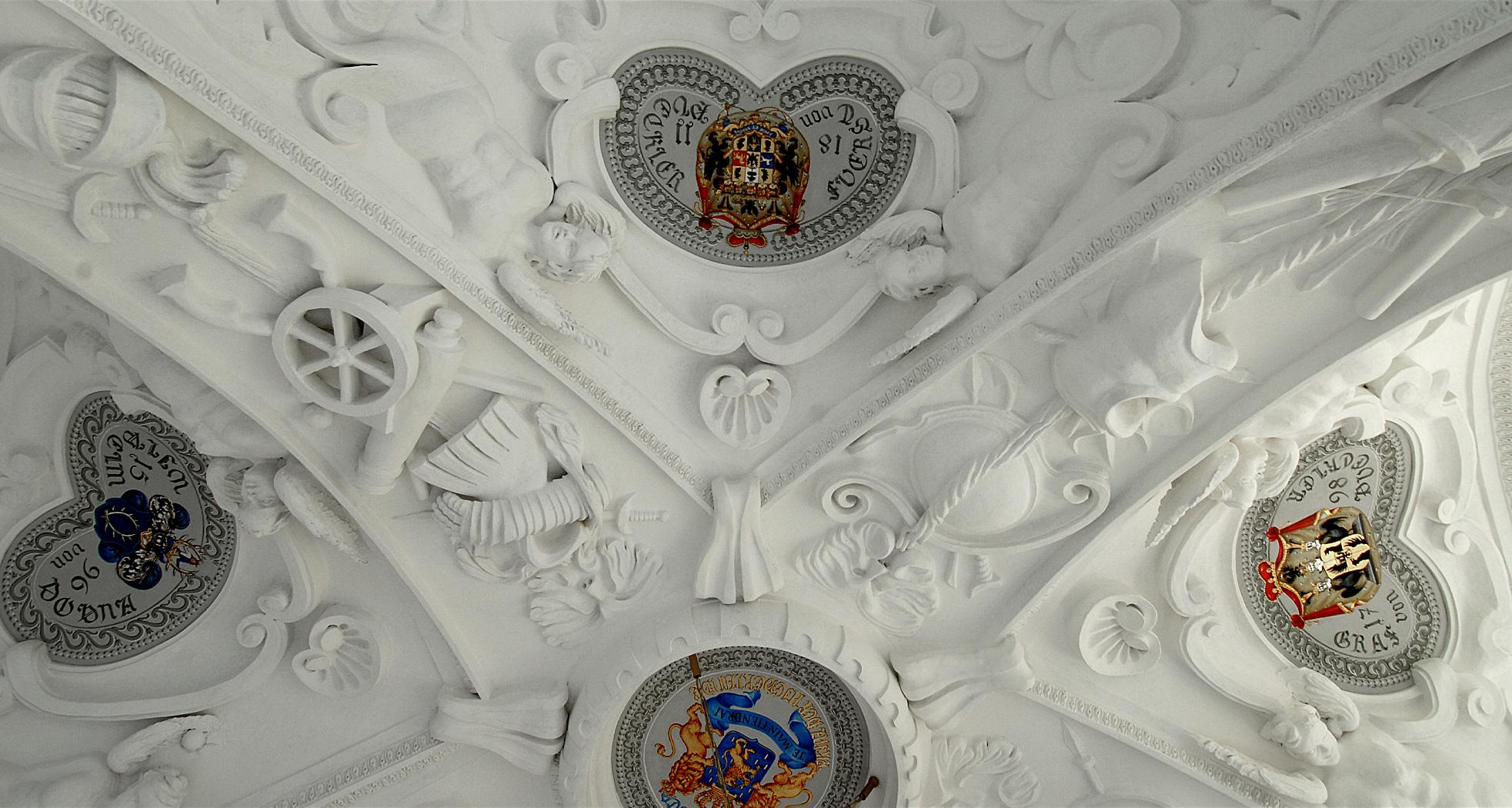 Gewölbebereich im Schlusszustand – Wappen waren nicht Teil der Leistung - Neues Schloss Bad Muskau