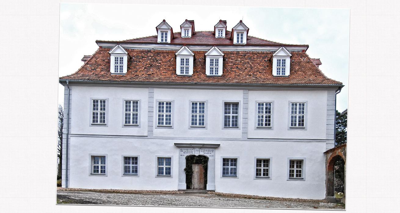 Restaurierung der historischen Putzfassade - Schlusszustand - Zinzendorfschloss, Berthelsdorf