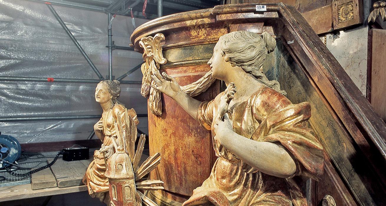 Figuren und Kanzelkorb im Schlusszustand - Restaurierung Pfarrkirche Ebrach