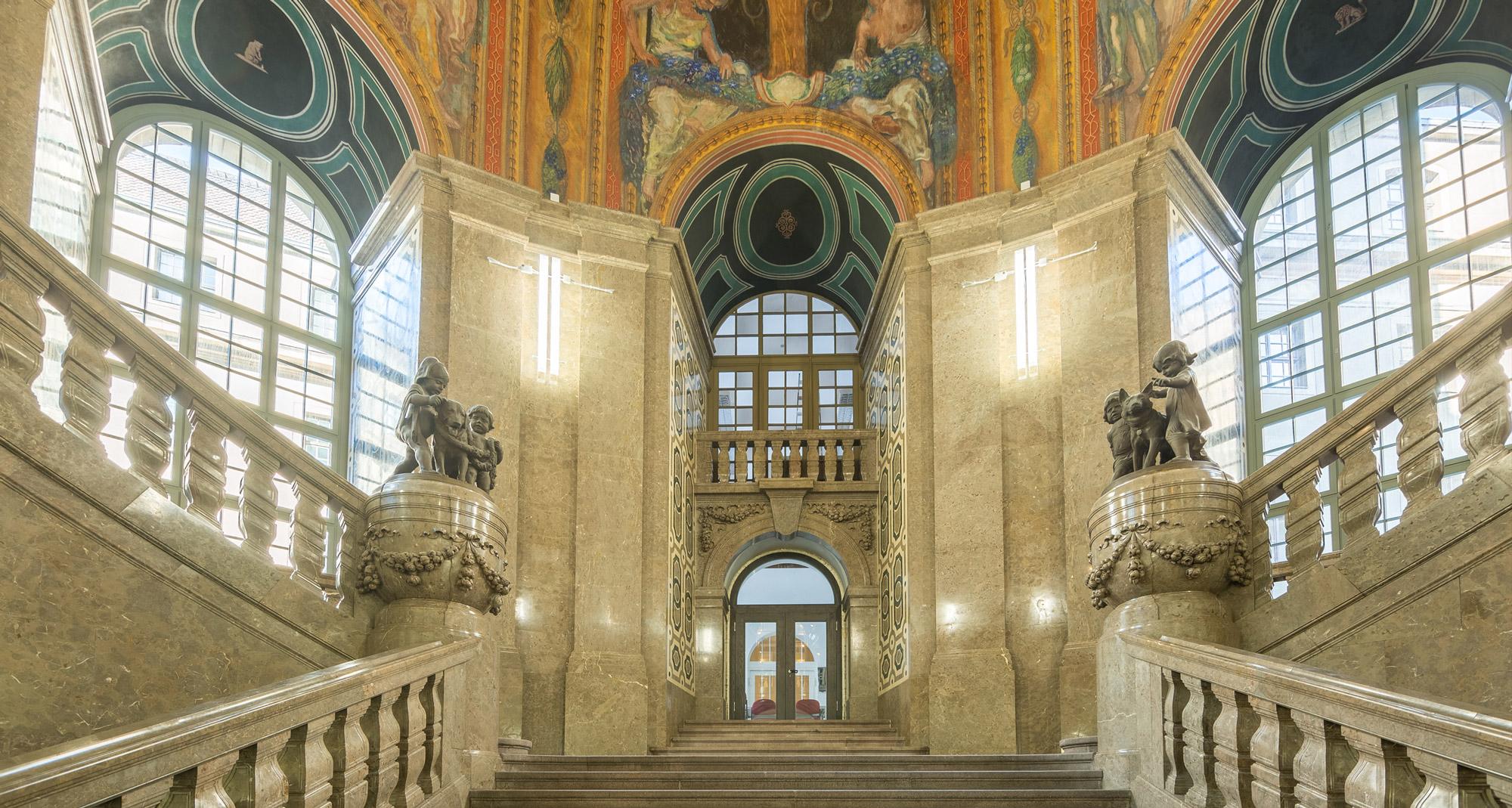 Zentrale Treppenanlage im Schlusszustand - Neues Rathaus Dresden