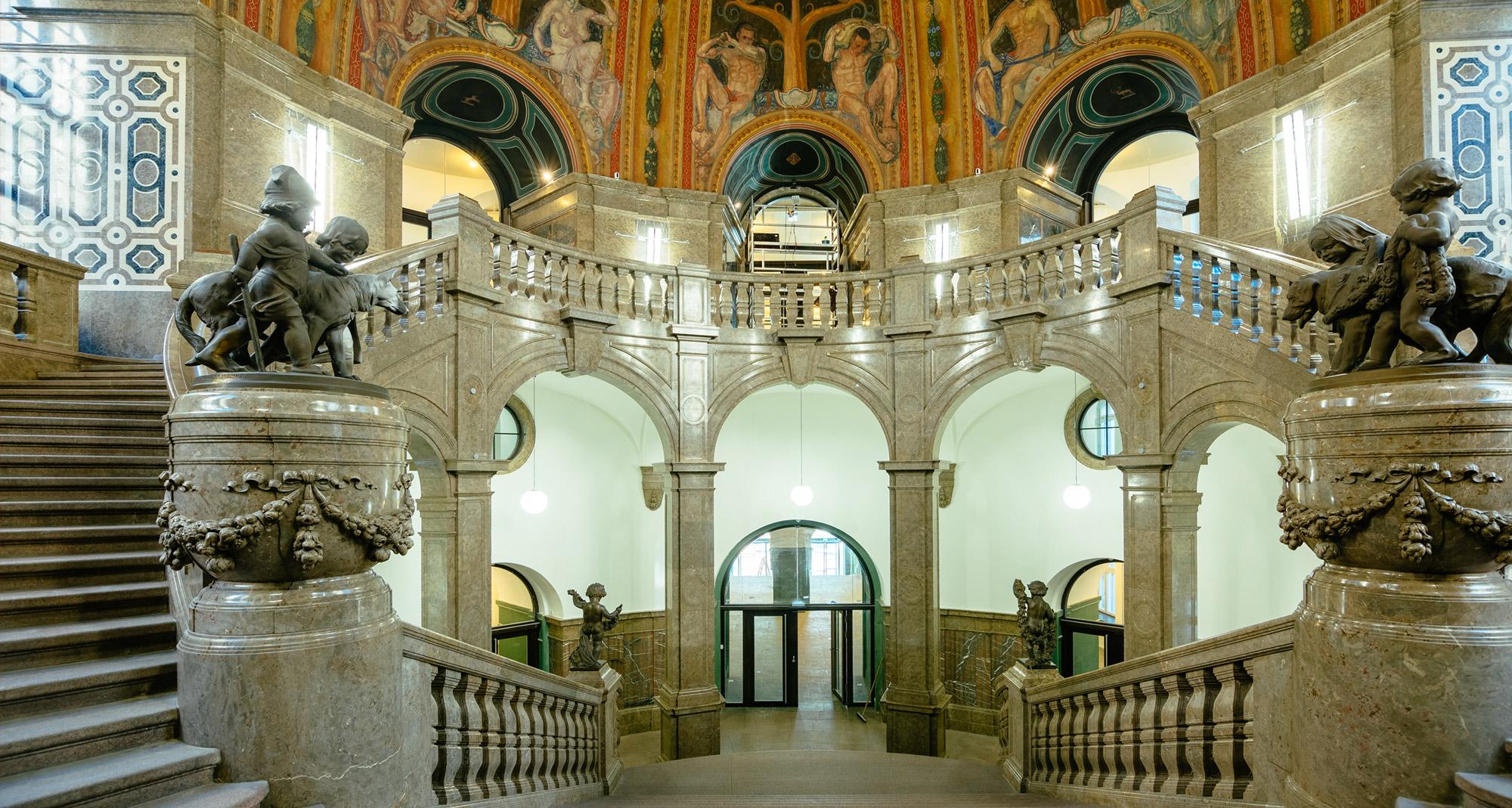 Blick zur zentralen Brüstung – Schlusszustand - Neues Rathaus Dresden