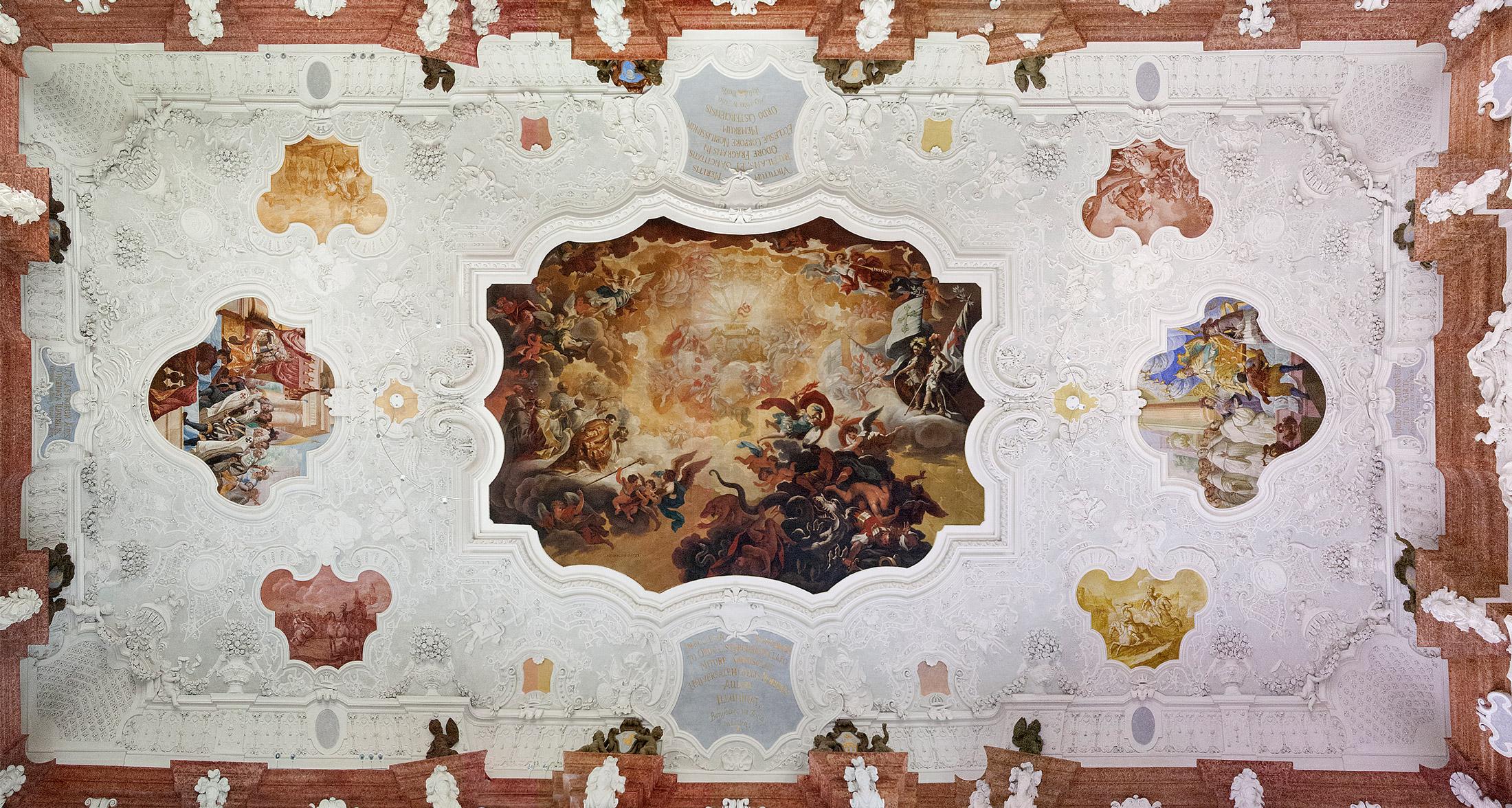 Gesamtansicht der Decke im Kaisersaal